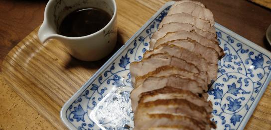 【超カンタンレシピ】豚バラブロックを紅茶で煮る『紅茶豚』